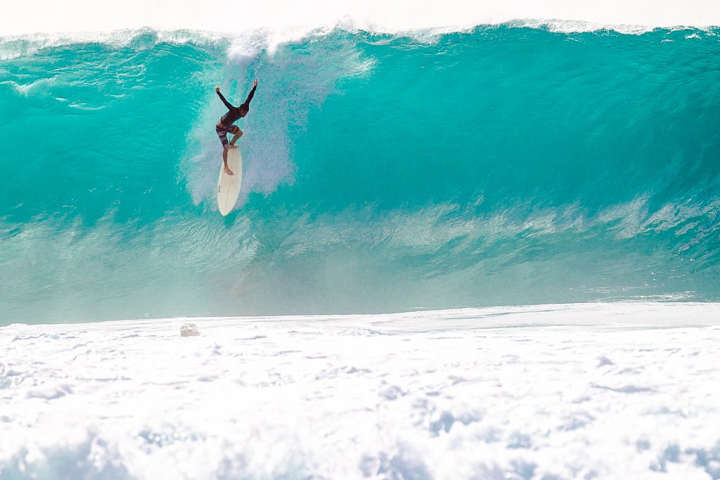 Hawaii-Pipeline-0485.jpg