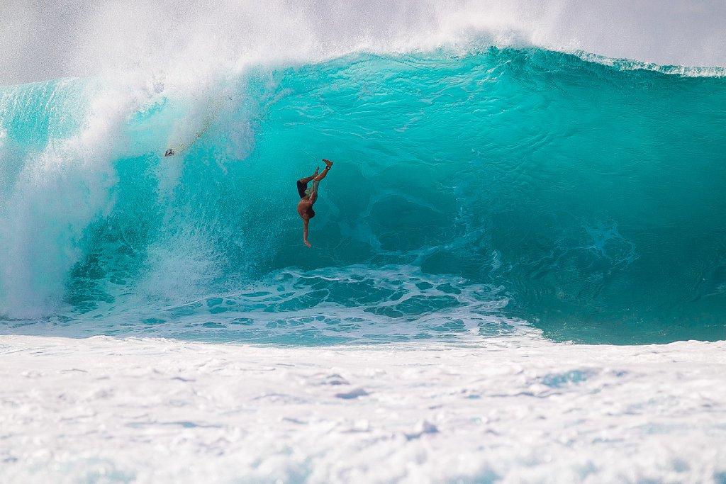 Hawaii-Pipeline-0210.jpg
